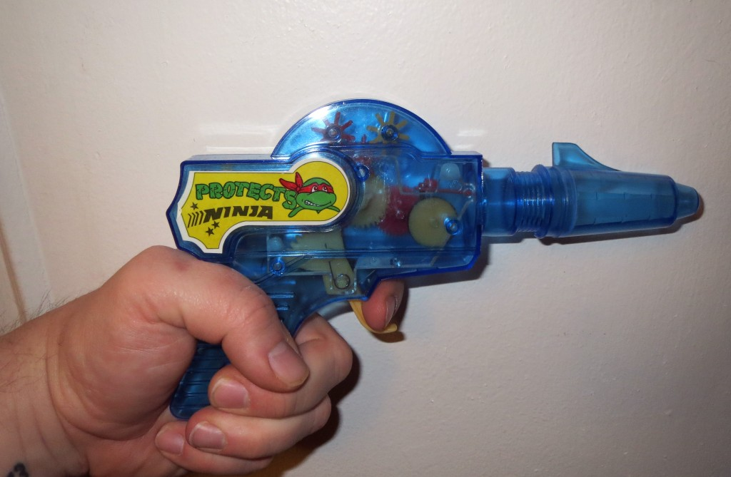 Little Pluckies Ninja Protects knockoff TMNT gun toy